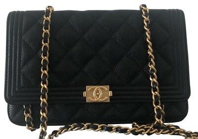 36348daf529d AUTHENTIC CHANEL BOY Wallet on Chain