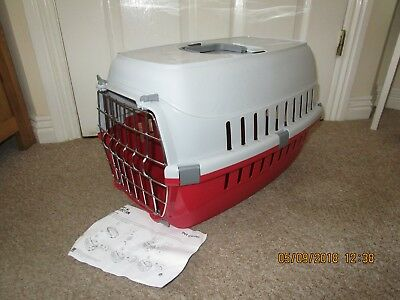 Plastic Pet Carrier with handle and Cage Front Brand New RED