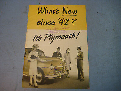 """1942 Plymouth Dealership Ad Brochure Booklet, """"What's New in '42?"""""""