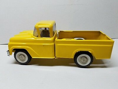 VINTAGE! Buddy L 1960s Yellow Traveling Zoo Pickup Toy Pressed Steel Truck
