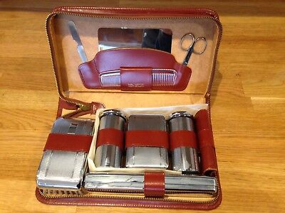 Vintage Gentlemans shaving and grooming set in a leather case - from 1960