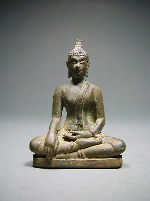 ANTIQUE BRONZE MEDITATING SUKHOTHAI BUDDHA AMULET. STUPA RELIC. 16/17th C