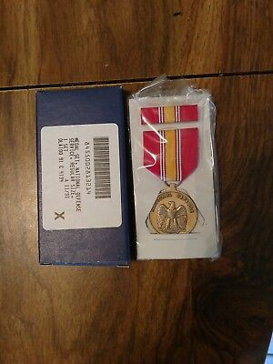 ORIGINAL US Military National Defense Service Medal Set with Ribbon New Sealed