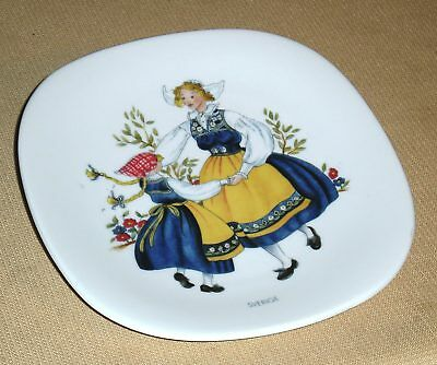 Vintage Porcelain Plate RORSTRAND Swedish National Costume JL0682 Sweden 483G