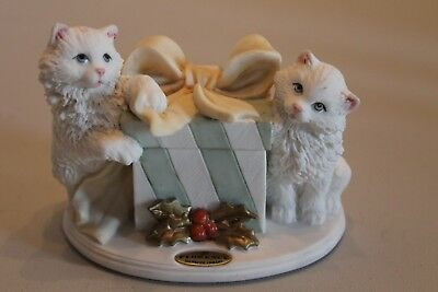 """Florence Giuseppe Armani 1999 Signed Figurine #1438-C  """"gift For Two"""""""