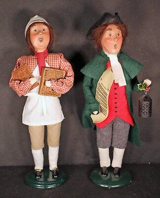 2 Vintage Byers Choice Ltd Caroler Figurines Made Special For Williamsburg