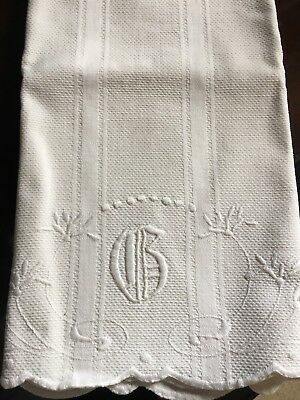 Huck Linen Towel With G Monogram And Scalloped Edges
