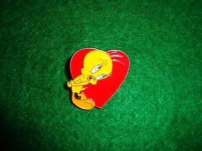 Vintage Tweety Bird Warner Brothers Enameled Metal Pin