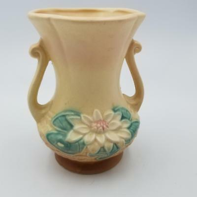 Hull Art Pottery Water Lily No. L-4 6.5  Cream Flower Bud Vase Vintage