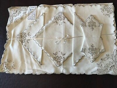 Vintage 100% Portugal LINEN, Embroidered Napkins 8~ Placemats 4 - Table Cloth 1