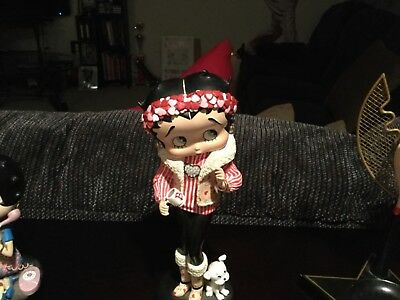 Betty Boop Collectible Figurines, jewelry, magnets and purse LOT ALL INCLUDED