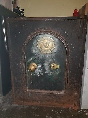 LAST CHANCE!! Antique Vulcan Company Cast Iron Safe