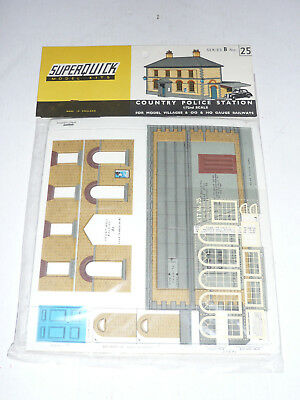 Super Quick SQB25 Model Railway Kits OO HO 1/72  Scale - Country Police Station