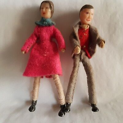 Vintage dolls house miniatures Dol Toi couple woman/mother & man/father 1:16