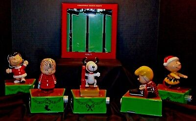 Hallmark Peanuts Christmas Dance Party Full Set with Lights Snoopy Lucy Linus..