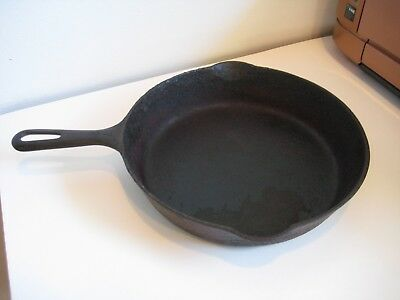 "Vintage Griswold ERIE PA No 7 Cast Iron 10"" Skillet Small Logo Early Handle 701C"