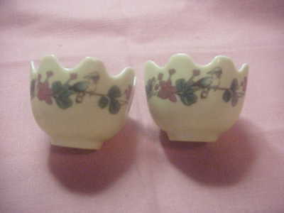 """2 BEAUTIFUL CHINESE EGG CUPS with BIRDS 1 3/4"""" HIGH,TOP 2 1/2"""" DIAMETER NICE"""