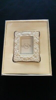 "LENOX Portrait Gallery Small Rectangular 2.5"" X 3"" Picture Frame NIB"