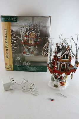 Department 56 North Pole Woods Santa's Retreat Treehouse Figurine With Box