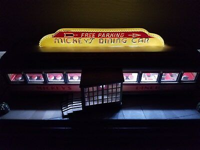 Danbury Mint Diner Mickey's Dining Car Building Delux Lights Up Man Cave Decor