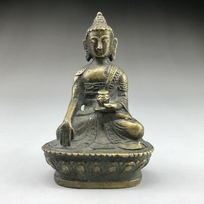 Pure bronze Buddha statues in ancient China are beautifully hand-carved.