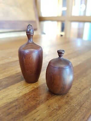 Stunning Pair of Tiny Wooden Turned Wood Acorn Storage Pots Pill Boxes Ornaments