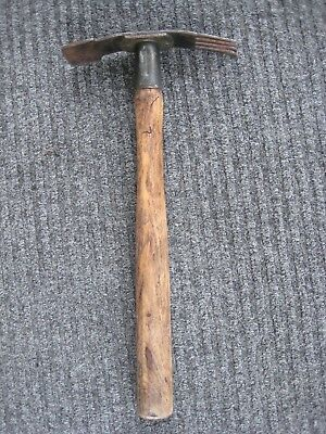 Old Vintage Wooden Handle Cast Iron Metal Tine Garden Hoe Trowel Farm Hand Tool