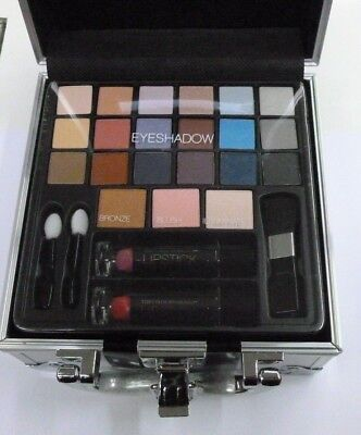 Markwins Travel in Colour valigetta set regalo make up trucco trousse ombretti