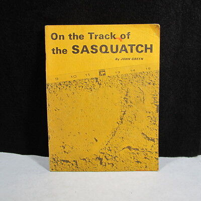 VINTAGE 1969 ON THE TRACK OF THE SASQUATCH ~BIGFOOT~ COMPLETE !  78 pages