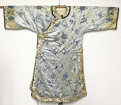 Antique Chinese Silk Womans Robe Jacket W Nice Detail