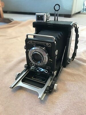 Graflex Century Graphic with black bellows without back