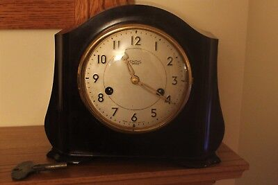 A Vintage Bakelite Mantel Clock Smiths Enfield Chiming On A Gong.