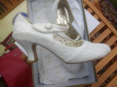 Perfect Vintage Ivory Wedding Shoes size 6