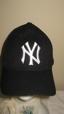 "New York Yankees Cap by ""Casad C5 Sport"" Size  L -XL"