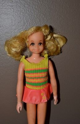 Vintage Barbie - 1970's Skipper Friend Living Fluff in Original Yellow Swimsuit