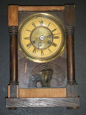 Vintage / Antique Wooden Mantle Clock For Spares/Repairs