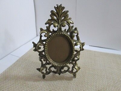 Vintage Antique Victorian Cast Brass Footed Oval Picture Frame With Glass