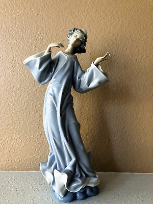 LLADRO Angel #1324 designed by Salvador Furio -AS IS