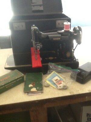 """Vintage Clean-Used """"Singer #221-1"""" Feather Weight Sewing-Machine W/Orig. Box,NR"""