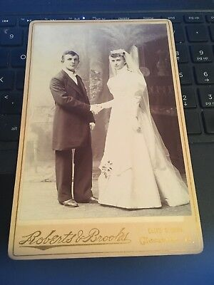 Antique Cabinet Card Photo: Bride & Groom, Roberts & Brooks ELITE , Cleveland