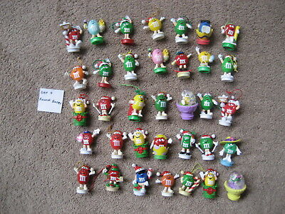 M&m's-  35 M&m Round Base Toppers-  Set 4
