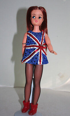 VINTAGE 70s UK REBODIED REROOTED SINDY DOLL TRENDY BODY