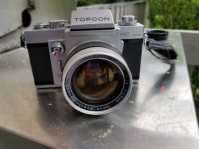 Topcon Super RE - 35 mm camera with Auto-Topcor 5.8cm/1.4 lens