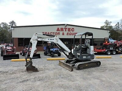 2014 Bobcat E35 Excavator - 2 Speed Travel - Front Blade - Good Condition!!