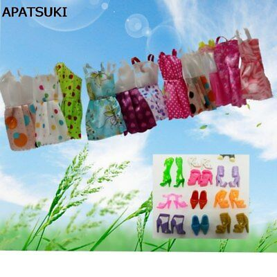 Lot 20 Pcs = 10 Pairs Of Shoes & 10 Short Dress Outfit Clothes For 11.5inch Doll