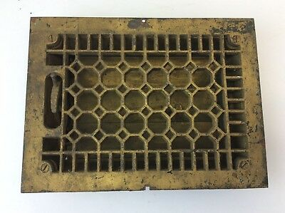 Antique Old Cast Iron Rectangular Unbranded Metal Floor Grate Heating Vent