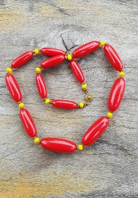 Gorgeous Retro Vintage Cylindrical Red Plastic Bead Necklace   Jewellery  .B29