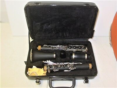 3 Clarinets 2 Cases 1 Kohlert - 1 First Act (Wood) 1 Unbranded Learning Harmonic