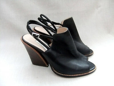 4928d14299f9 NEW CLARKS SARINA Billy Womens Black Leather Sandals Size 6.5   40 ...