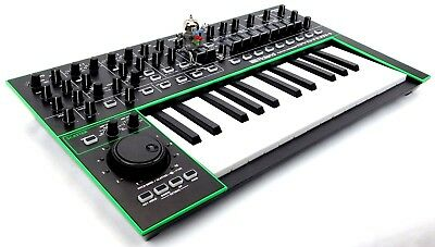 Roland System-1 Synthesizer AIRA Keyboard Synth + Top Zustand + 1.5J Garantie